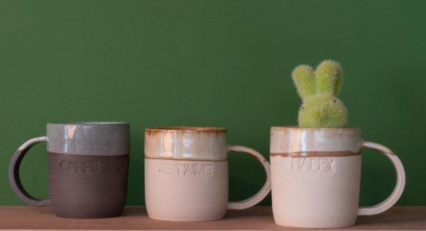 Tasse mugs faites à la main gravés avec Carper Diem, je t'aime et happy